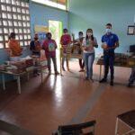 Entrega de cinco bibliotecas a las escuelas